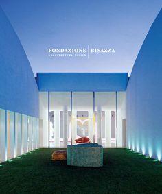 Catalogo Fondazione Bisazza Architettura | Design  Da anni Bisazza esplora le possibilità di dialogo con artisti e progettisti di fama internazionale chiedendo loro di immaginare inedite applicazioni per il mosaico. Una collazione di opere, anche monumentali, è così cresciuta nel tempo