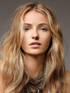 Wavy blond hair, natural pretty hilites