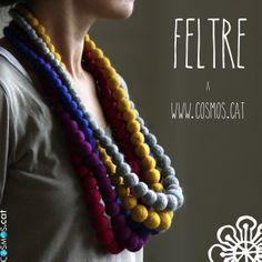 Fels necklace / collarets de feltre / collares de fieltro http://www.cosmos.cat/ca/botiga/producte/collaret-de-feltre-gris-0
