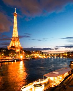 Places Around The World, Oh The Places You'll Go, Travel Around The World, Places To Travel, Around The Worlds, Travel Destinations, Torre Eiffel Paris, Paris Eiffel Tower, Paris At Night