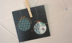 Christmas Craft - Christmas Crafts - Paper bauble Christmas card