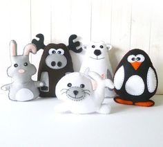 Stuffed Seal Sewing Pattern Plush Seal por LittleSoftieShoppe