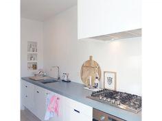 Witte keuken zonder achterwand