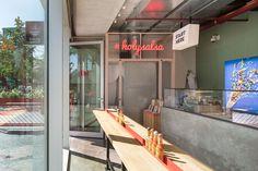 Salsa Shop Zuidas By Ninetynine , Mexican Food Truck, Mexican Fast Food, Mexican Food Restaurants, Fast Food Restaurant, Mexican Food Recipes, Restaurant Kitchen, Restaurant Ideas, Restaurant Interior Design, Cafe Interior