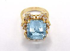 Stunning 14K Yellow Gold Aquamarine and Diamond Ring Sz. 8.25