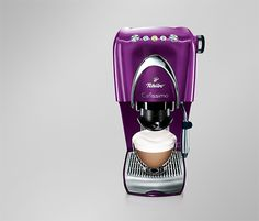 Cafissimo CLASSIC Aubergine All Things Purple, Purple Rain, Coffee Love, Shades Of Purple, Keurig, Nespresso, Coffee Maker, Design Inspiration, Classic