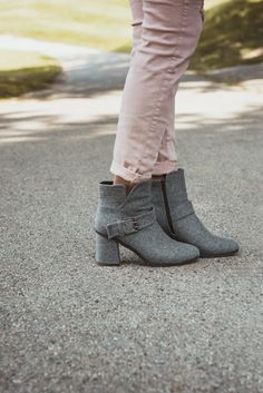 Sophisticated & stylish, MUK LUKS® Mae boots feature a gray heather flannel upper and faux-fur lining.