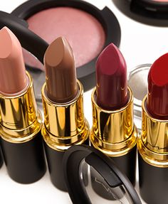 New holiday lipsticks from MAC!