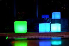 Exclusividad, color, luz, decoración y sofisticación lo encuentras en nuestros productos◽️▫️◻️ #Qbox #Mobiliaroled #iluminacionled #decoracion #eventos #eventosmedellin #hielera #jardinera #puffs #mesas #color #exclusividad #eventoscorporativos #eventosespeciales