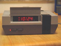 Say What??  Make a clock out of an old NES system. why did I never think about this?