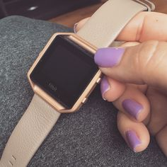 Matte Rose Gold frame paired with a taupe leather band dresses up this Fitbit Blaze to perfection! #fitbit #rosegold ((credit)) Instagram: @ashlyeatsclean