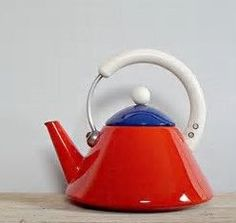 ♥ a Zinger red/white/blue tea kettle...