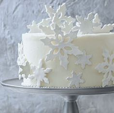 ☆ White Christmas Wonderland ☆ Cake Decorating Ideas: Fondant Snowflakes