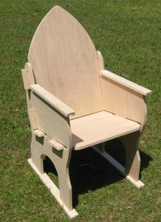 Arms of Valor, Ltd.: SCA Medieval Puzzle Chair ---- desperately want to learn how to make these! They are SO cool!