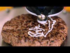 Burger Selfies: Hellmann's prints mayo faces onto burgers by hacking a printer. Selfies, Viral Advertising, Bathroom Gadgets, Iphone Gadgets, Experiential Marketing, 3d Prints, Digital Fabrication, Mayonnaise, Food Print