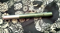 Nicka K New York eye light crayon in moss. $4.50 value