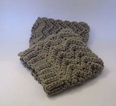 Simple Waves Headband and Boot Cuffs - Free crochet pattern by Jennifer Ozses. Worsted weight.
