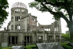 A-bomb Dome, Japan. The only structure left standing in Hiroshima after the atomic bomb. Beautiful Sites, Beautiful Places, Tokyo Skytree, Miyajima, Mount Fuji, Visit Japan, Japan Design, Hiroshima, Papua New Guinea