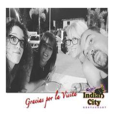 Nuestra amiga @patry.galan celebrando cumpleaños en #RajusIndianCity con Silvia #restaurante #Benalmadena #Málaga #igers #party #instamood #amigos #repost #friends #instafood #foodlover #picoftheday #indianfood Muchas Felicidades y Gracias por elegirnos 🎂💐