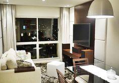 O #apartamento possui 90m², sendo 3 dormitórios, sala de #jantar, sala de estar, #cozinha planejada e mais: para aqueles que curtem assistir um #filme, o imóvel possui #automação de #som e #imagem!