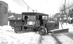 1924 Truck, Grader and Plow; this pinner's comment: Notice that this plow requires 2 people; a driver, and one to manipulate the plows. Rv Truck, Train Truck, Vintage Trucks, Old Trucks, Vintage Tractors, Snow Removal Equipment, Snow Vehicles, White Tractor, Ride 2