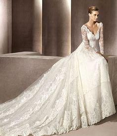 O vestido de noiva com renda é o queridinho das noivas, e por ser tão lindo encanta a todas, confira!