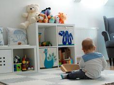 Wzorzysty dywan to subtelna dekoracja w pokoju dziecięcym, którą idealnie dopasowano kolorystycznie do wystroju całego...