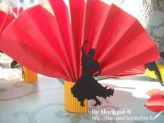 Déco de table soirée paella - Les 3B . Spanish Party Decorations, Birthday Party Decorations, Party Themes, Ideas Party, Spain Theme Party, Spanish Themed Party, Flamenco Party, Backdrops For Parties, Deco Table