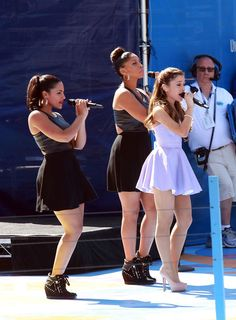 Ariana Grande Photos - Ariana Grande performs at the 2013 Arthur Ashe Kids Day at USTA Billie Jean King National Tennis Center on August 24, 2013 in the Queens borough of New York City. - 2013 Arthur Ashe Kids Day