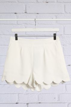 Scallop Edge Shorts-White