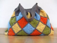 Want this bag...  I can't crochet, maybe someone will make it for me! :D