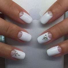 Top Nail Art Designs und Ideen 2017 Nail art designs tend to look good when done with precision. If you need to do any design yourself, then opt for simple nail art and go to the salon for complex themes. With the different types of nail designs available Trendy Nails, Cute Nails, My Nails, Winter Nail Designs, Best Nail Art Designs, Round Nail Designs, Easy Nail Art, Cool Nail Art, Winter Nails