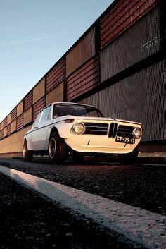 bmw 2002 | Classic BMW | Classic Bimmers | Classic Cars | Car | Car photography | dream car | collectable car | drive | sheer driving pleasure | Schomp BMW
