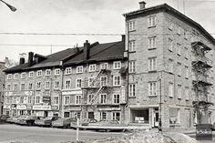 L'hôtel Brochu en 1972 (Aujourd'hui) La Batterie Royale a Pace Royale) Samuel De Champlain, Le Petit Champlain, Old Quebec, Quebec City, Chute Montmorency, Chateau Frontenac, City North, Canada Eh, Photo Vintage