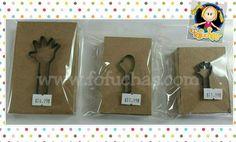 Tenemos disponible para la venta troqueles  (cortadores) para manos de Fofuchas. Informes al 787-696-2000
