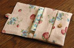 ポケットバッグ Love Craft, Tissue Holders, Little Gifts, Fabric Crafts, Arts And Crafts, Pouch, Quilts, Pocket, Sewing