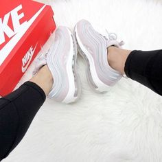 hvite joggesko Air Max 97 Ultra 17 fra Nike Sportswear. Air