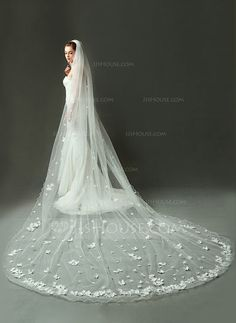 [US$ 205.99] One-tier Cathedral Bridal Veils With Scalloped Edge (006090088)