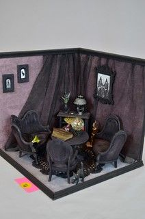 Dollhouse Miniature Vampire Baby Spooky Gothic Haunted House Nursery Cot in scale - sunnydays Haunted Dollhouse, Haunted Dolls, Diy Dollhouse, Dollhouse Furniture, Dollhouse Miniatures, Haunted Mansion, Miniture Dollhouse, Halloween Village, Halloween Displays