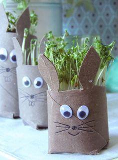 DIY … Kresse-Osterhasen (design by gutschi ღ) – Presents for kids Easter Art, Easter Crafts For Kids, Easter Bunny, Diy For Kids, Bunny Bunny, Spring Crafts, Holiday Crafts, Toilet Paper Crafts, Presents For Kids