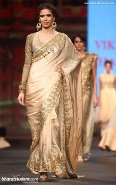 Sucheta Sharma in gold saree #saree #sari #blouse #indian #outfit #shaadi #bridal #fashion #style #desi #designer #wedding #gorgeous #beautiful