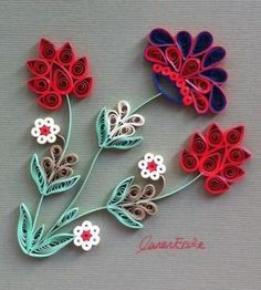 Flowers inspired by Turkish tiles. By Canan Ersöz. New Crafts, Crafts For Kids, Arts And Crafts, Paper Crafts, Paper Quilling Flowers, Quilling Cards, Quilling Patterns, Quilling Ideas, Toilet Roll Art