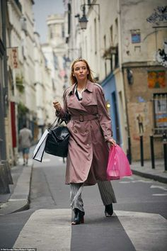 Shop the look for less: Killing Eve's Jodie Comer reaches fashion icon status as fans go wild for Villanelle's wardrobe. Read more on Grazia Look Fashion, Fashion Outfits, Lead Lady, Jodie Comer, Classy Outfits, Dress To Impress, Style Icons, Celebrity Style, Street Style