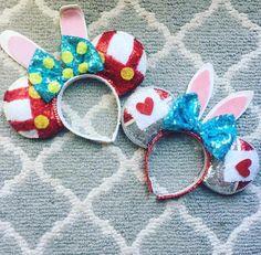 Roger and White Rabbit Disney Diy, Diy Disney Ears, Anna Disney, Disney Mickey Ears, Disney Bows, Disney Theme, Disney Crafts, Disney Travel, Disney Ideas