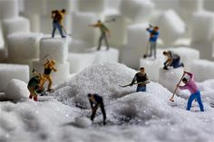 Image: Life in Smallville (© BARCROFT MEDIA/David Gilliver) granulating sugar
