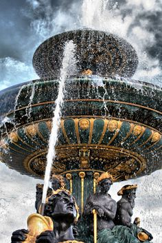 Photograph Fountain Le Concorde by Greg Sharpe on 500px