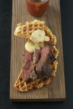 Flat Iron Steak mit Kartoffelwaffel und Sauce Béarnaise