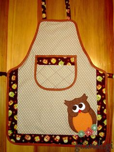 Whoooo likes this one? Sewing Hacks, Sewing Crafts, Sewing Projects, Quilt Patterns, Sewing Patterns, Childrens Aprons, Cute Aprons, Sewing Aprons, Kids Apron