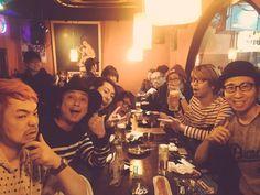 浜松着! 改めて本日、渋谷DUOにお越し下さった皆様、ありがとうございました! インストバンドの3マン、お楽しみ頂けましたでしょうか?  明日はタワーレコードNU梅田茶屋町店にてインストアライブ! Schroeder-Headzも!