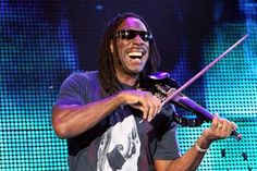 Dave Matthews Band violinist Boyd Tinsley revealed he is battling arthritis in his hand, the violinist said on Twitter after questions about his performance on the band's recent Australian tour. Word came in via various channels that Tinsley was having trouble holding onto his bow, forcing the band to change the setlist on stage on several occasions. #boyd_tinsley